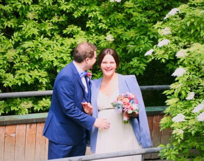 Hochzeitsfoto auf Brück englischer garten München